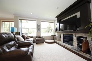 """Photo 2: 39070 KINGFISHER Road in Squamish: Brennan Center House for sale in """"THE MAPLES AT FINTREY PARK"""" : MLS®# R2400268"""