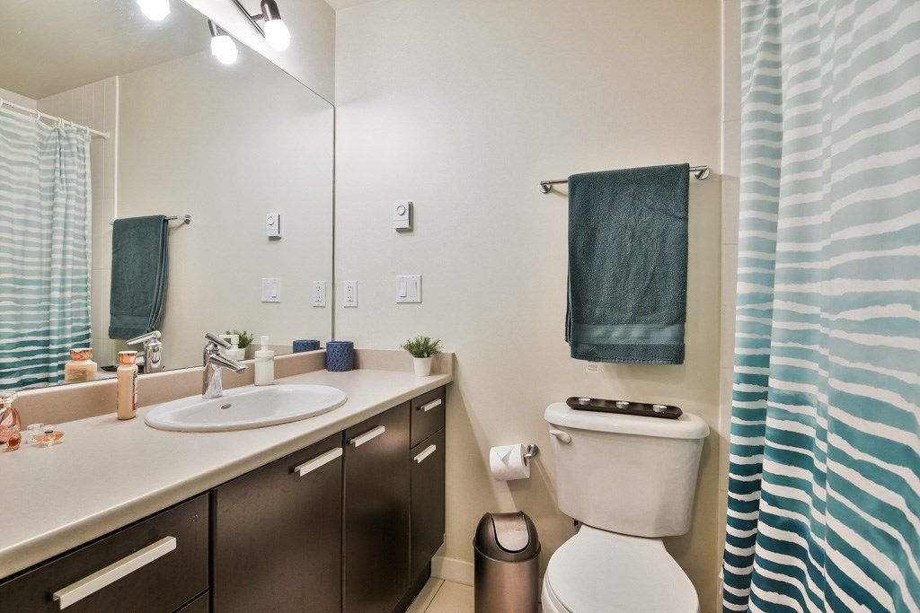 """Photo 13: Photos: 115 10455 UNIVERSITY Drive in Surrey: Whalley Condo for sale in """"D'Corize"""" (North Surrey)  : MLS®# R2347944"""