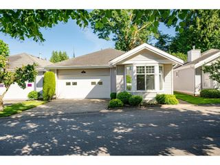 """Photo 2: 27 20770 97B Avenue in Langley: Walnut Grove Townhouse for sale in """"Munday Creek"""" : MLS®# R2594438"""