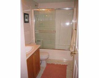 """Photo 3: 406 74 RICHMOND ST in New Westminster: Fraserview NW Condo for sale in """"Governors Court Apartments"""" : MLS®# V573054"""