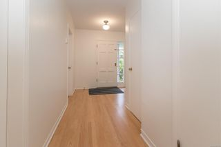 Photo 6: 3108 Henderson Rd in Oak Bay: OB Henderson House for sale : MLS®# 888135