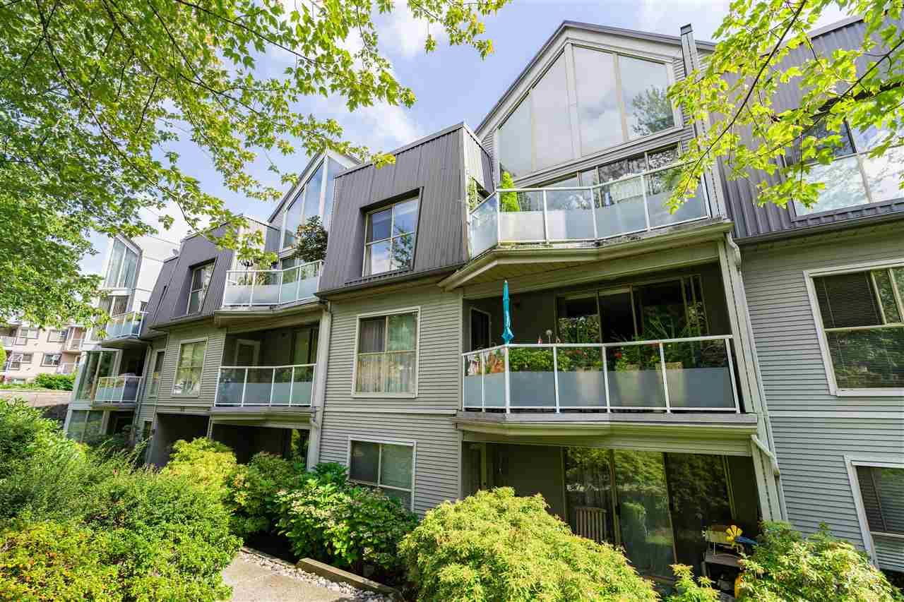 "Main Photo: 101 68 RICHMOND Street in New Westminster: Fraserview NW Condo for sale in ""Gatehouse Place"" : MLS®# R2416849"