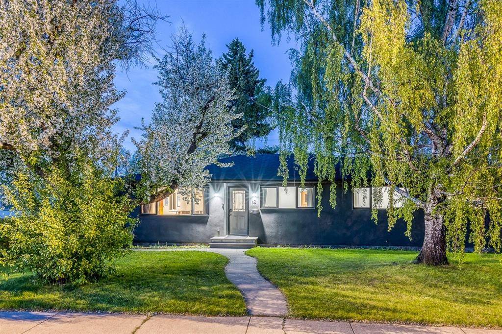 Main Photo: 18 Meadowlark Crescent SW in Calgary: Meadowlark Park Detached for sale : MLS®# A1113904