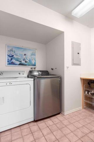 Photo 31: 986 Fir Tree Glen in : SE Broadmead House for sale (Saanich East)  : MLS®# 881671