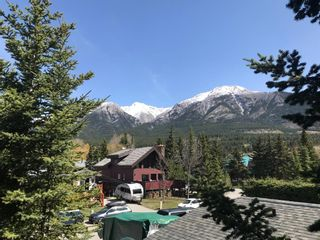 Photo 1: 3 Birchwood Place: Canmore Detached for sale : MLS®# A1123707