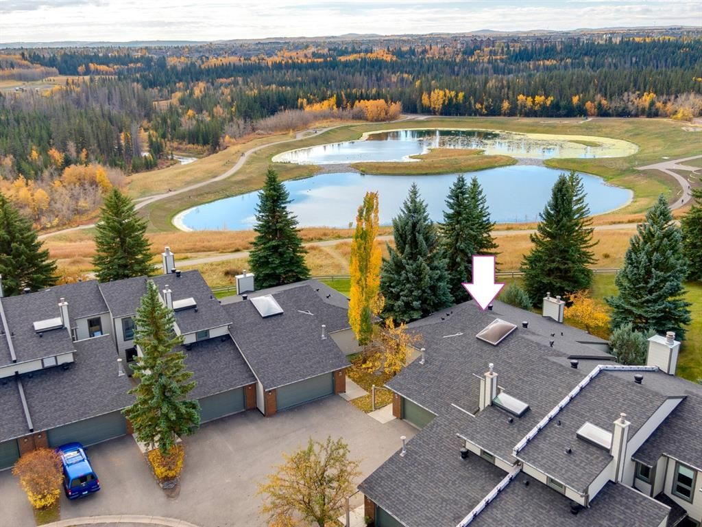 Main Photo: 23 185 Woodridge Drive SW in Calgary: Woodlands Row/Townhouse for sale : MLS®# A1039953