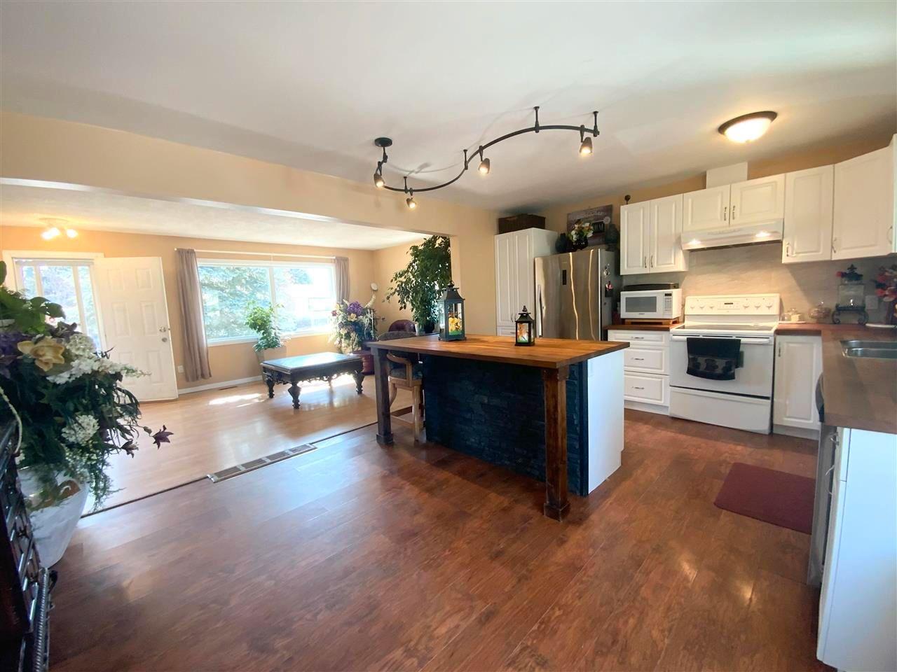 Main Photo: 162 Maple Crescent: Wetaskiwin House for sale : MLS®# E4241347