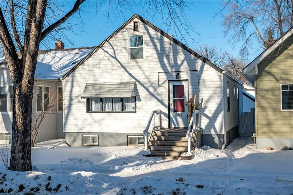 Main Photo: 221 Ottawa Avenue in Winnipeg: East Kildonan Residential for sale (3A)  : MLS®# 202103579