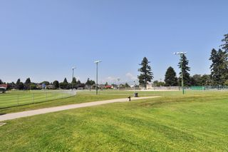 """Photo 18: 303 436 SEVENTH Street in New Westminster: Uptown NW Condo for sale in """"Regency Court"""" : MLS®# R2263050"""