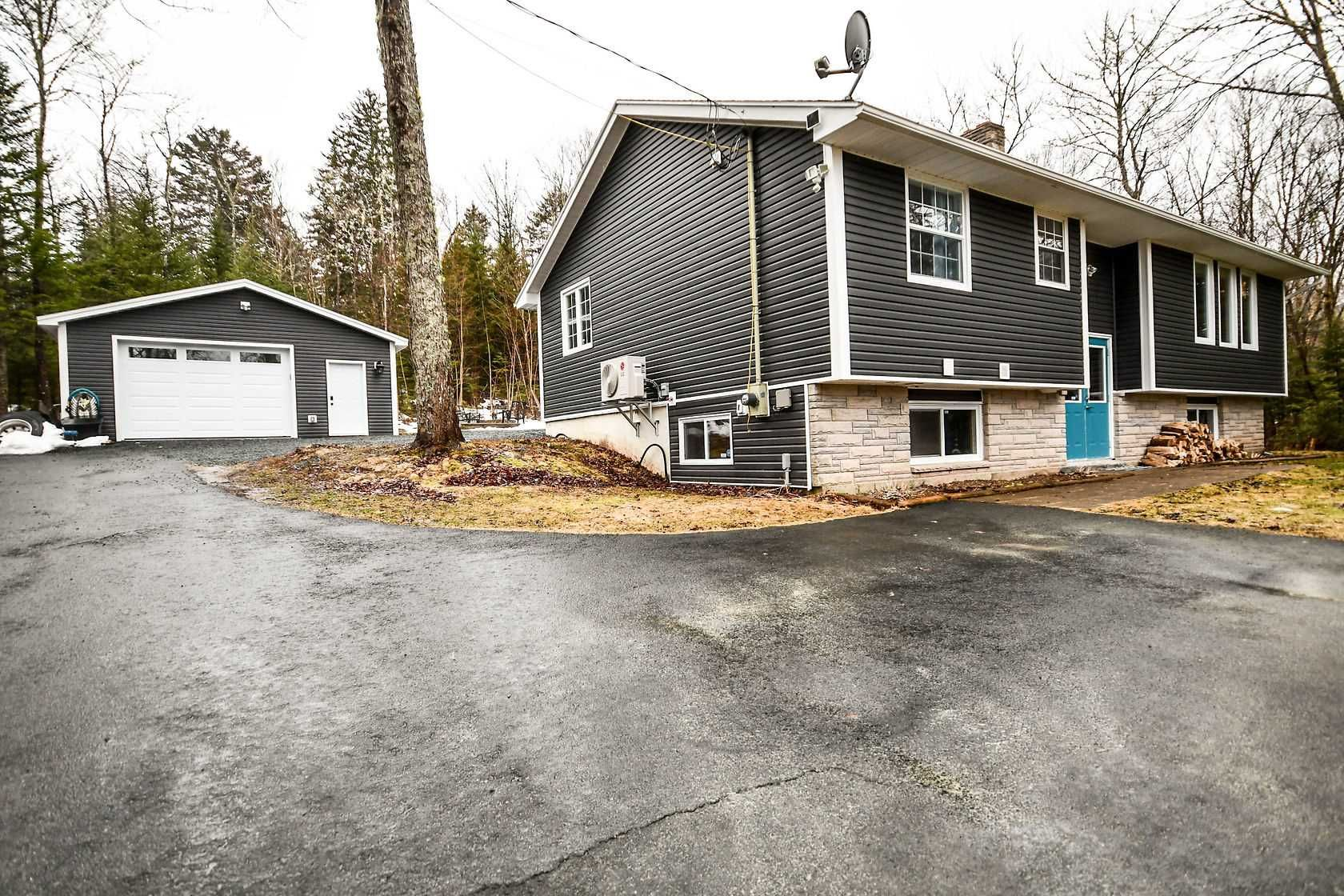 Main Photo: 28 Lakemist Court in East Preston: 31-Lawrencetown, Lake Echo, Porters Lake Residential for sale (Halifax-Dartmouth)  : MLS®# 202105359
