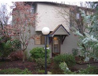 """Photo 1: 14 225 W 14TH ST in North Vancouver: Central Lonsdale Townhouse for sale in """"CARLTON COURT"""" : MLS®# V569406"""