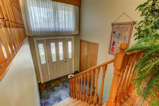 Photo 3: 3208 UPLANDS Place NW in Calgary: University Heights Detached for sale : MLS®# A1024214