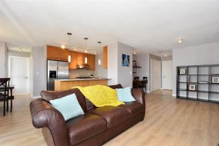 """Photo 4: 802 7088 SALISBURY Avenue in Burnaby: Highgate Condo for sale in """"The West By BOSA"""" (Burnaby South)  : MLS®# R2265226"""