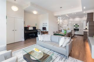 """Photo 6: 168 BOATHOUSE Mews in Vancouver: Yaletown Townhouse for sale in """"Marinaside Resort"""" (Vancouver West)  : MLS®# R2587224"""