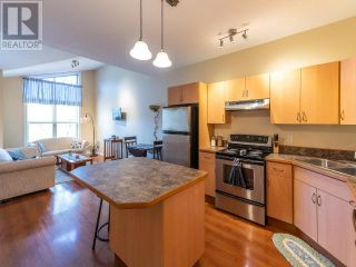 Photo 1: 303 - 857 FAIRVIEW ROAD in PENTICTON: House for sale : MLS®# 182910