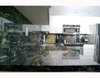 """Photo 6: 1904 1088 QUEBEC Street in Vancouver: Mount Pleasant VE Condo for sale in """"THE VICEROY"""" (Vancouver East)  : MLS®# V754003"""
