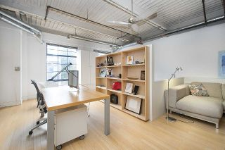"""Photo 15: 210 237 E 4TH Avenue in Vancouver: Mount Pleasant VE Condo for sale in """"ARTWORKS"""" (Vancouver East)  : MLS®# R2239279"""