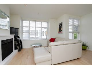 """Photo 7: 203 657 W 7TH Avenue in Vancouver: Fairview VW Townhouse for sale in """"THE IVY'S"""" (Vancouver West)  : MLS®# V1059646"""