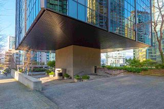 "Photo 2: 707 1333 W GEORGIA Street in Vancouver: Coal Harbour Condo for sale in ""Qube Coal Harbour"" (Vancouver West)  : MLS®# R2541272"