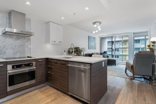 """Photo 15: 909 1783 MANITOBA Street in Vancouver: False Creek Condo for sale in """"RESIDENCES AT WEST"""" (Vancouver West)  : MLS®# R2625180"""