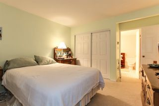 Photo 12: 205 2733 ATLIN Place in Coquitlam: Coquitlam East Condo for sale : MLS®# R2350938
