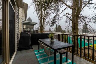 """Photo 3: 16 1708 KING GEORGE Boulevard in Surrey: King George Corridor Townhouse for sale in """"George"""" (South Surrey White Rock)  : MLS®# R2229813"""