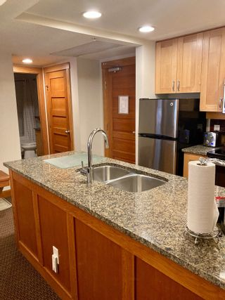 """Photo 5: 203A 2036 LONDON Lane in Whistler: Whistler Creek Condo for sale in """"LEGENDS"""" : MLS®# R2623208"""