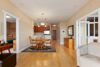 Photo 8: 405 4280 MONCTON Street in Richmond: Home for sale : MLS®# V991423