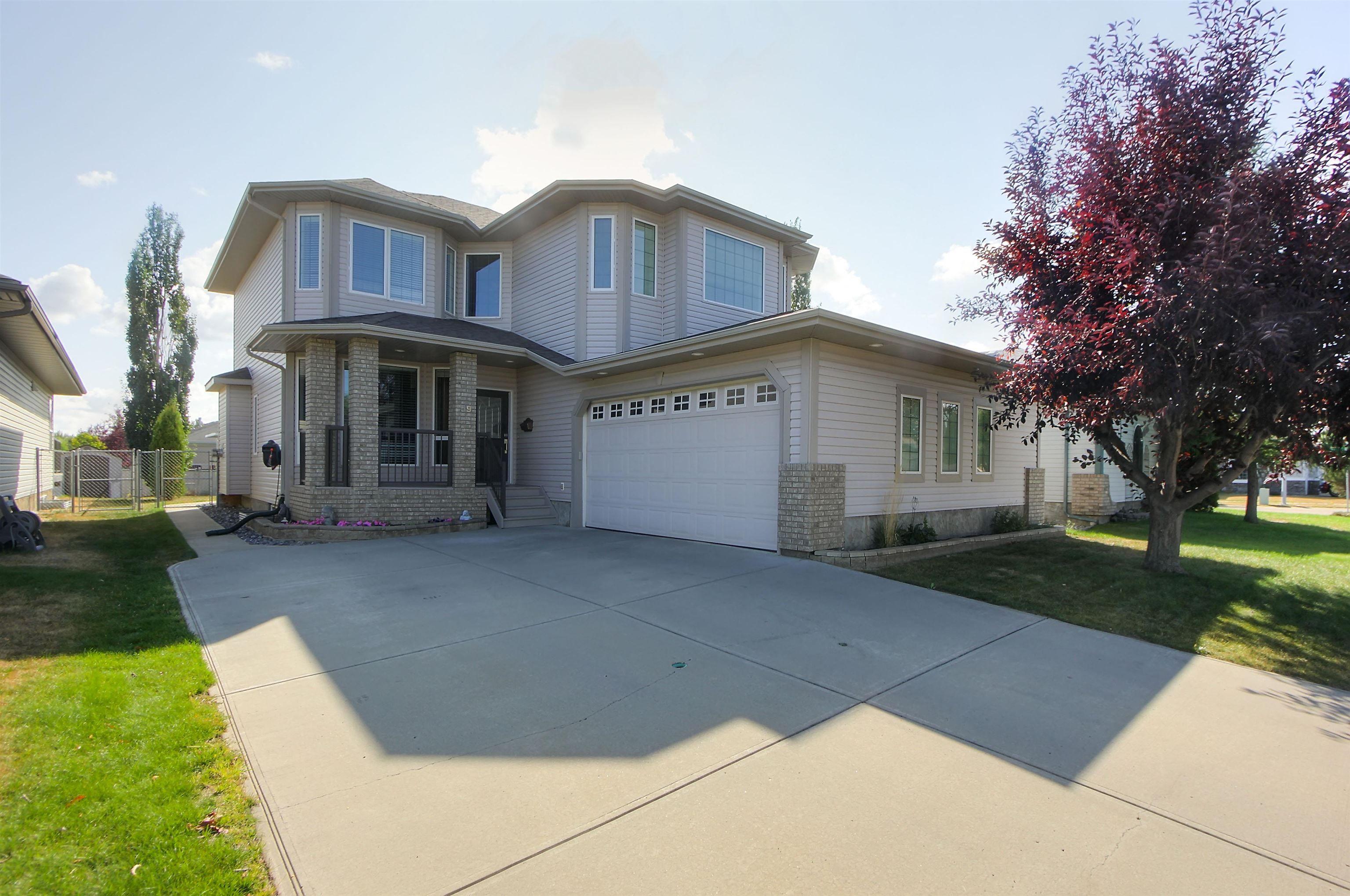 Main Photo: 59 FAIRWAY Drive: Spruce Grove House for sale : MLS®# E4260170