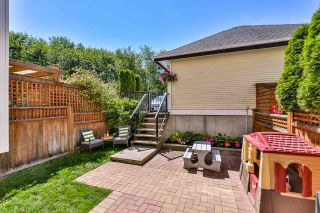 """Photo 18: 18068 70 Avenue in Surrey: Cloverdale BC Condo for sale in """"Provinceton"""" (Cloverdale)  : MLS®# R2186482"""