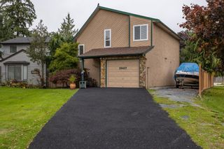 Photo 2: 19407 62 Avenue in Surrey: Cloverdale BC House for sale (Cloverdale)  : MLS®# R2625362