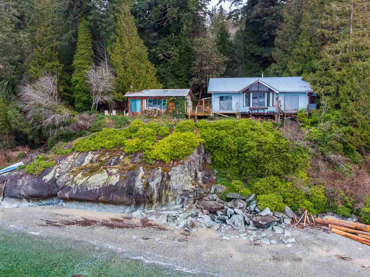 Main Photo: Photos: 8559 REDROOFFS Road in Halfmoon Bay: Halfmn Bay Secret Cv Redroofs House for sale (Sunshine Coast)  : MLS®# R2532493