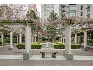 """Photo 11: B705 1331 HOMER Street in Vancouver: Yaletown Condo for sale in """"PACIFIC POINT"""" (Vancouver West)  : MLS®# V990433"""