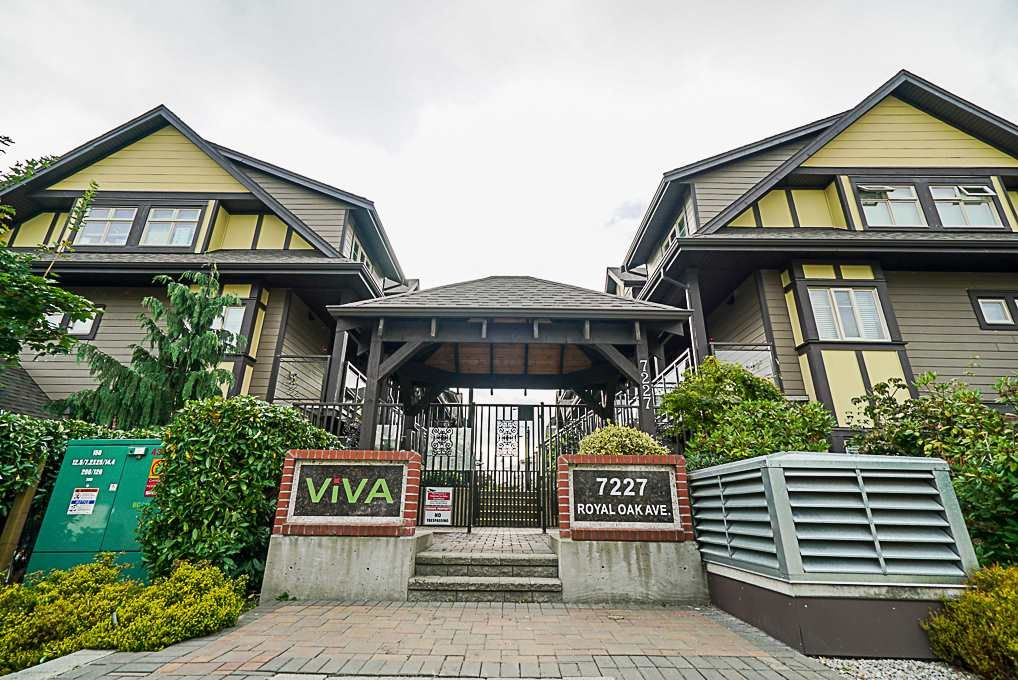 Main Photo: 102 7227 ROYAL OAK AVENUE in Burnaby: Metrotown Townhouse for sale (Burnaby South)  : MLS®# R2302097