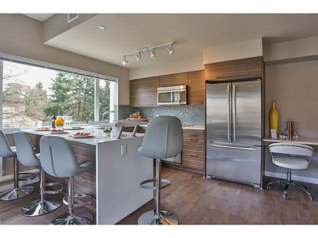 Photo 4: Photos: 302 317 Bewicke Avenue in North Vancouver: Hamilton Condo for sale : MLS®# V1112342