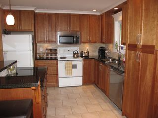 Photo 3: 3897 203A Street in Langley: Home for sale : MLS®# F1411898