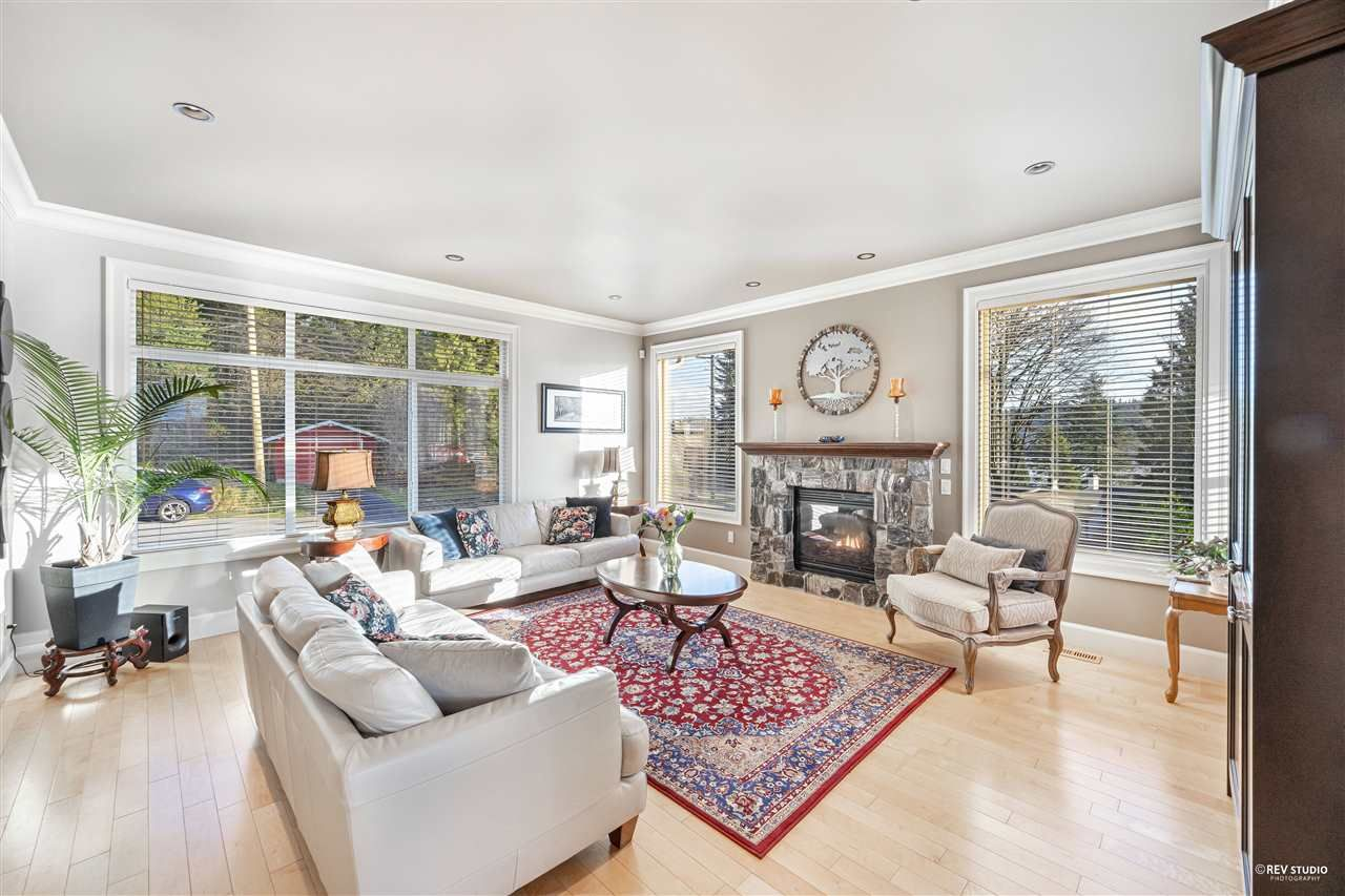 Photo 11: Photos: 645 IOCO Road in Port Moody: North Shore Pt Moody House for sale : MLS®# R2537725