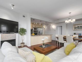 """Photo 5: 1705 1211 MELVILLE Street in Vancouver: Coal Harbour Condo for sale in """"THE RITZ"""" (Vancouver West)  : MLS®# R2173539"""