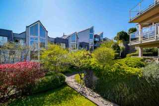 """Photo 3: 303 70 RICHMOND Street in New Westminster: Fraserview NW Condo for sale in """"GOVERNOR'S COURT"""" : MLS®# R2571621"""