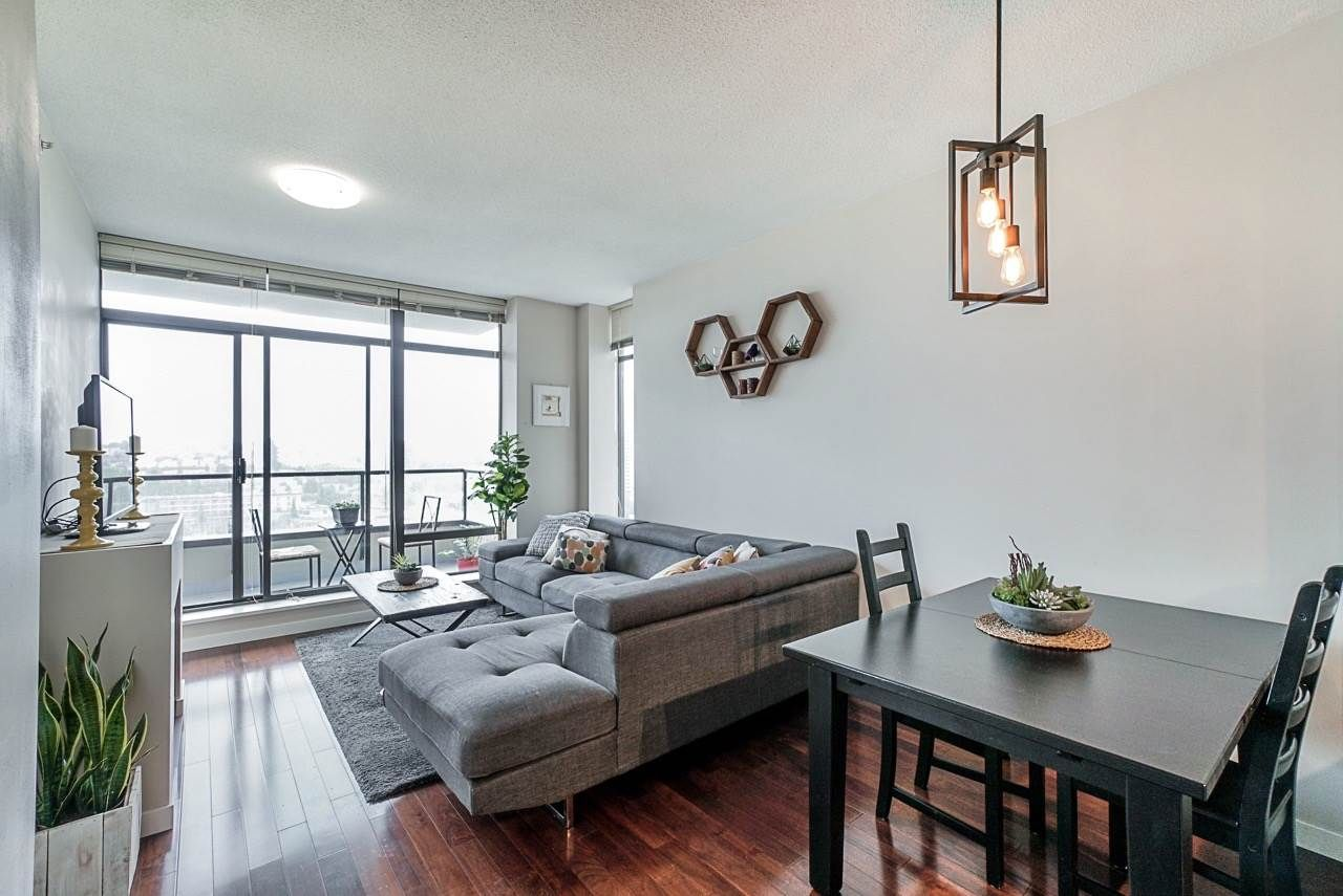 """Main Photo: 1902 4250 DAWSON Street in Burnaby: Brentwood Park Condo for sale in """"OMA2"""" (Burnaby North)  : MLS®# R2484104"""