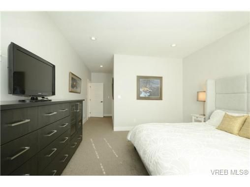 Photo 11: Photos: 1001 Arngask Ave in VICTORIA: La Bear Mountain House for sale (Langford)  : MLS®# 728828