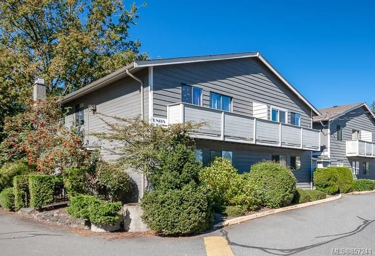 FEATURED LISTING: 30 - 211 Buttertubs Pl