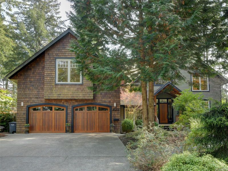 FEATURED LISTING: 4533 Rithetwood Dr Saanich