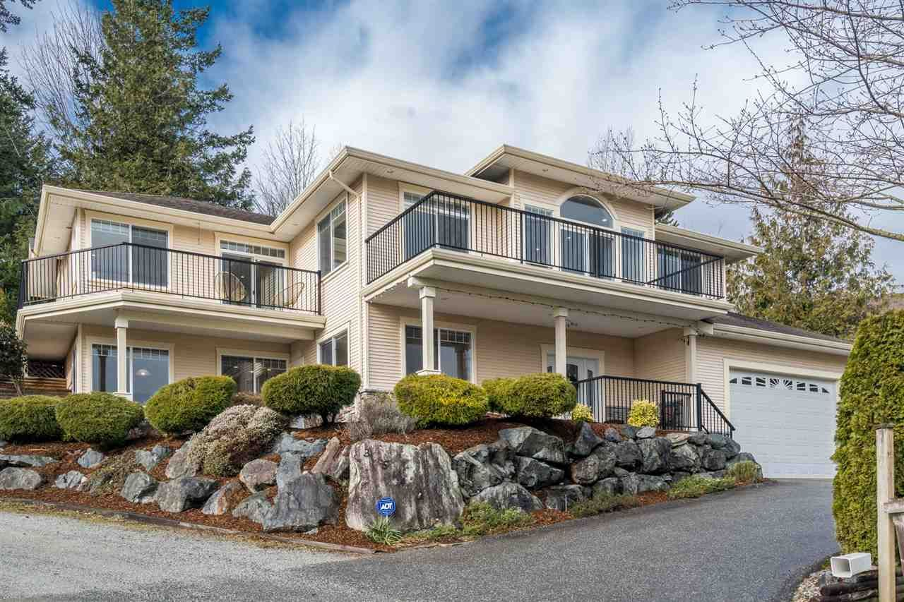 Main Photo: 35421 MCCORKELL Drive in Abbotsford: Abbotsford East House for sale : MLS®# R2541395