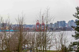 """Photo 10: 204 255 W 1ST Street in North Vancouver: Lower Lonsdale Condo for sale in """"West Quay"""" : MLS®# R2242663"""
