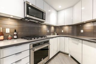 """Photo 3: 204 255 W 1ST Street in North Vancouver: Lower Lonsdale Condo for sale in """"West Quay"""" : MLS®# R2242663"""