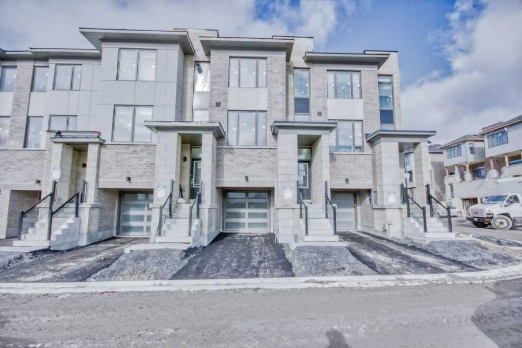 Main Photo: 32 Shawfield Way in Whitby: Pringle Creek House (2 1/2 Storey) for lease : MLS®# E5398801