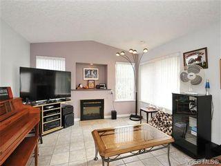 Photo 2: 3700 Gordon Head Rd in VICTORIA: SE Mt Tolmie Half Duplex for sale (Saanich East)  : MLS®# 685206