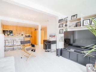 "Photo 9: 410 1655 NELSON Street in Vancouver: West End VW Condo for sale in ""Hampstead Manor"" (Vancouver West)  : MLS®# R2513219"