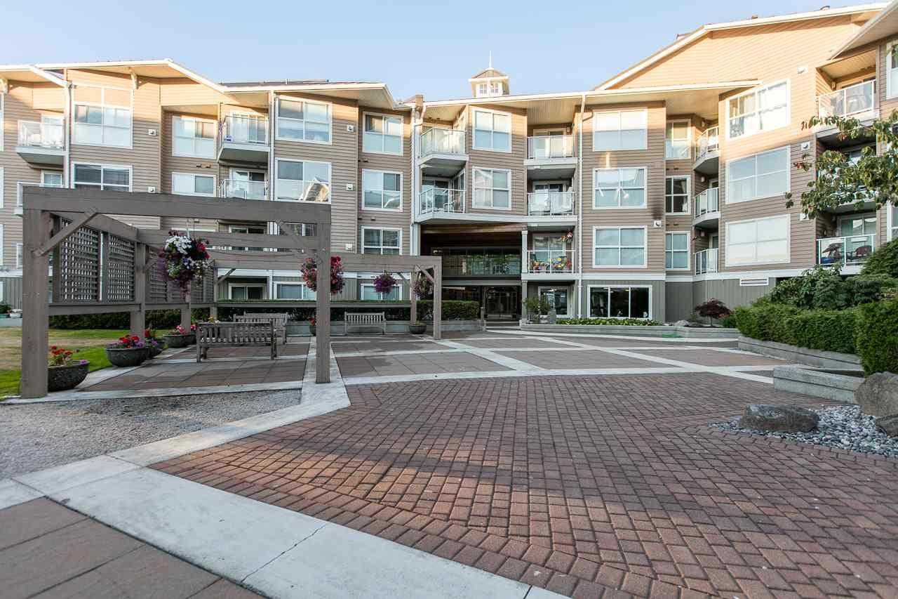 """Photo 20: Photos: 216 5880 DOVER Crescent in Richmond: Riverdale RI Condo for sale in """"WATERSIDE"""" : MLS®# R2244276"""